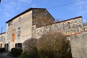 18th Century 2 Bed Character Property With Barn On 1120m²