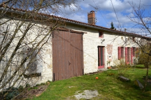 Lovely renovated stone house - Close to Champagne-Mouton