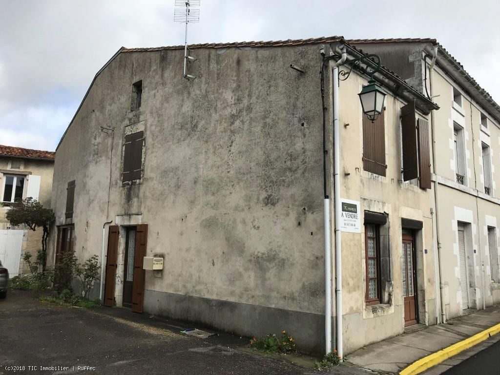 Small Habitable Town House With 2 Bedrooms. Modernisation Required.