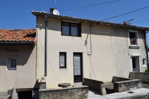 Townhouse With A Garden Ideal As A Rental Investment - Close To All Commerce