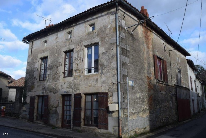 Holiday home in France, Property for sale in France, Property under 50000 in France, Gites in France, brexit