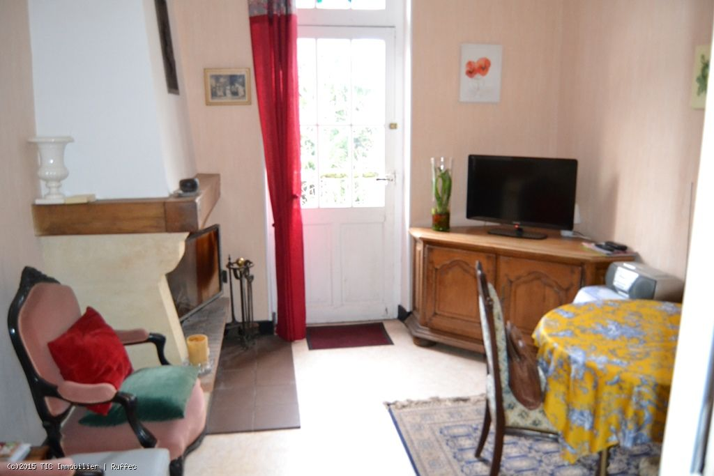 ... 2 Bedroom Townhouse With Attached Garden And Garage ...