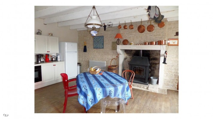 Longère With 3 Bedrooms And Over An Acre Of Land