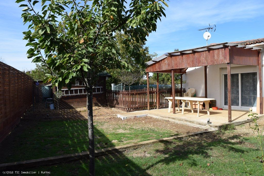Single Level Property With 2 Bedrooms On Enclosed Gardens Of 897m²