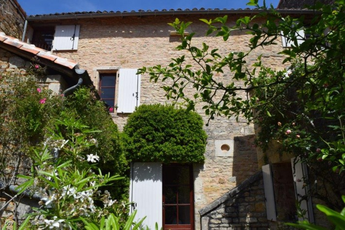 Lovely Village House in Nanteuil en Vallee
