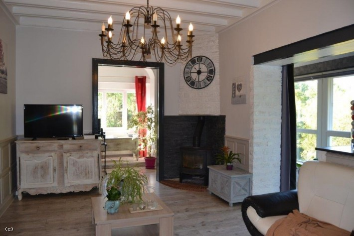 Renovated Riverside House Bordering The Charente River