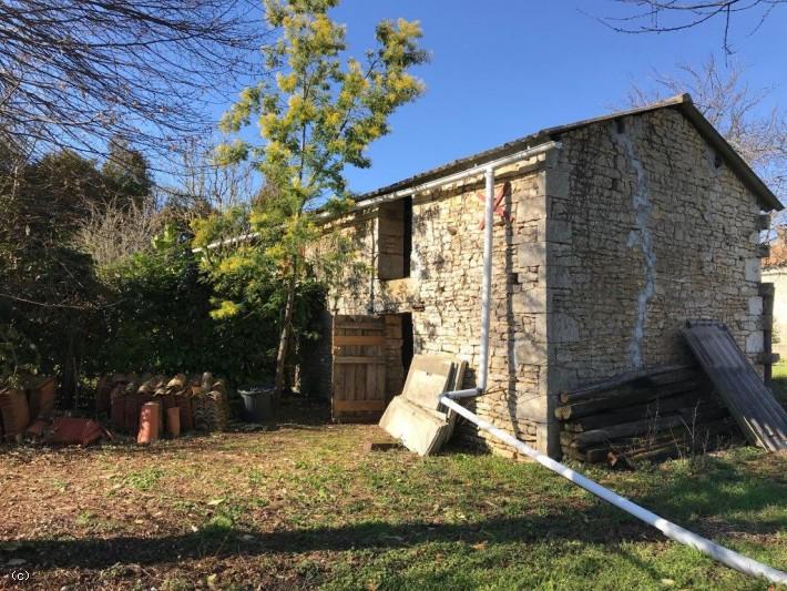 Grange A Convertir En Habitation Avec Terrain Tic Ruffec