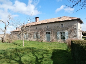 Authentic Farmhouse on 2,5 hectares